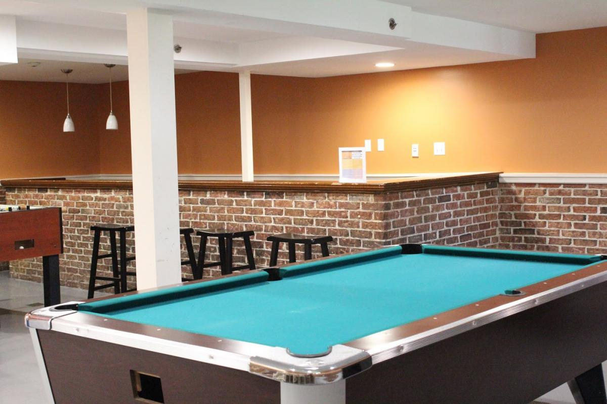 Game room in packer house finance administration - Game room in house ...
